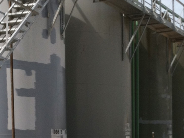 Storage tank repair with Stop It® HP™ Flat Patch